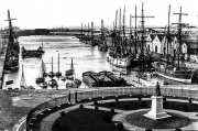 Harbour 1900 Smith.jpg